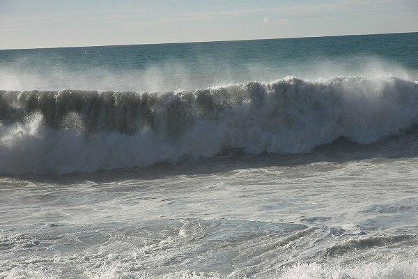 خلیج فارس مواج و متلاطم میشود
