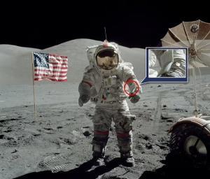 تجهیزات تاریخی سفر انسان به ماه چوب حراج خورد