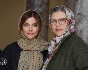 چهره ها/ عکس جدید دنیا مدنی با روسری سنتی