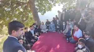 بازدید محسن رضایی از روستای زلزلهزده سرشط اندیکا