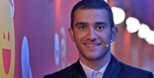 کنایه عجیب وحید رحیمیان در برنامه زنده سریالیست خطاب به مجری