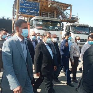 بازدید معاون رئیس جمهور از روند تخلیه و بارگیری کالای اساسی در بندر امام خمینی(ره)