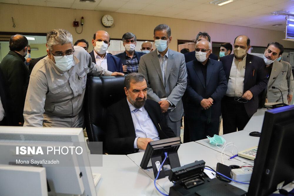 بازدید محسن رضایی از صنایع پتروشیمی در سفر به خوزستان