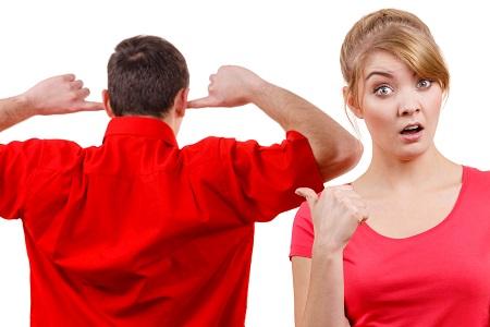 چرا مردان، زنان خود را نادیده می گیرند؟