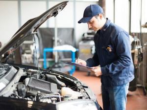 چگونه بفهمیم خودرو به سرویس دورهای نیاز دارد؟