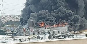 آتشسوزی بزرگ در یک مجتمع تجاری در اراضی اشغالی