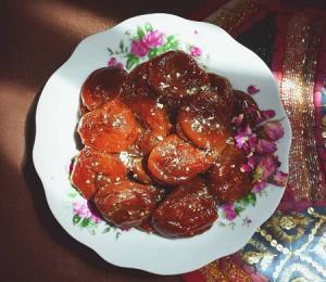 دستور تهیه قیساوا یا خاگینه خرما میان وعده سنتی آذربایجانی