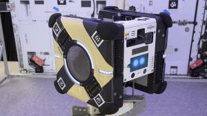 زنبورهای رباتیک ناسا به کمک فضانوردان شتافتند