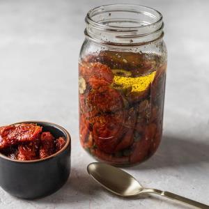 گوجه را با این روشها خشک کنید
