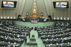 چرا اقتصاد ایران همواره با دو سناریوی بدبینانه و خوشبینانه روبهرو است؟