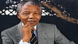 گوناگون/ فروش پیراهن رنگی نلسون ماندلا در حراجی