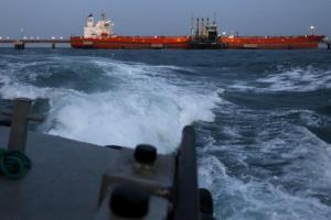ادعای رویترز درباره بارگیری محموله سنگین نفت خام ونزوئلا توسط ابر نفتکش ایرانی