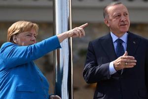 مرکل برای خداحافظی به استانبول رفت
