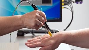 تولید «لیزر کمتوان» که دردهای بیماران را کاهش می دهد