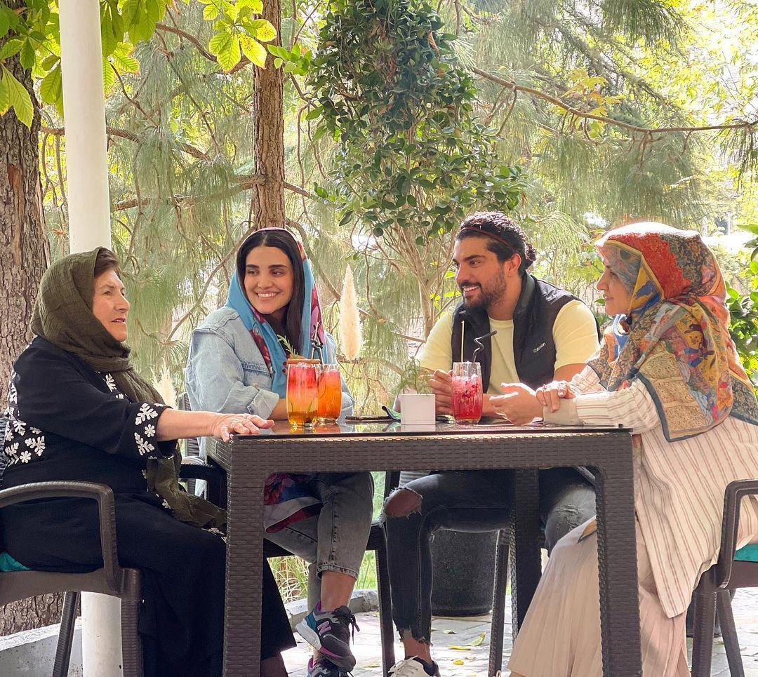 چهرهها/ سینا مهراد و خانواده در یک ضیافت صبحانه پاییزی