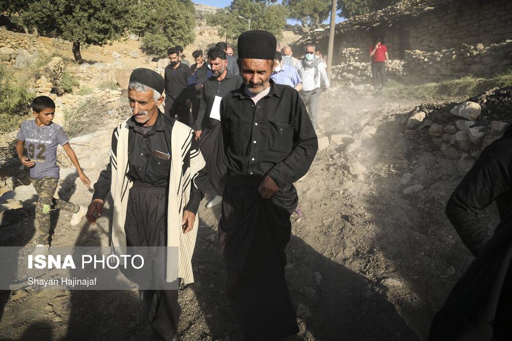 بازدید «رضایی» از روستای زلزله زده