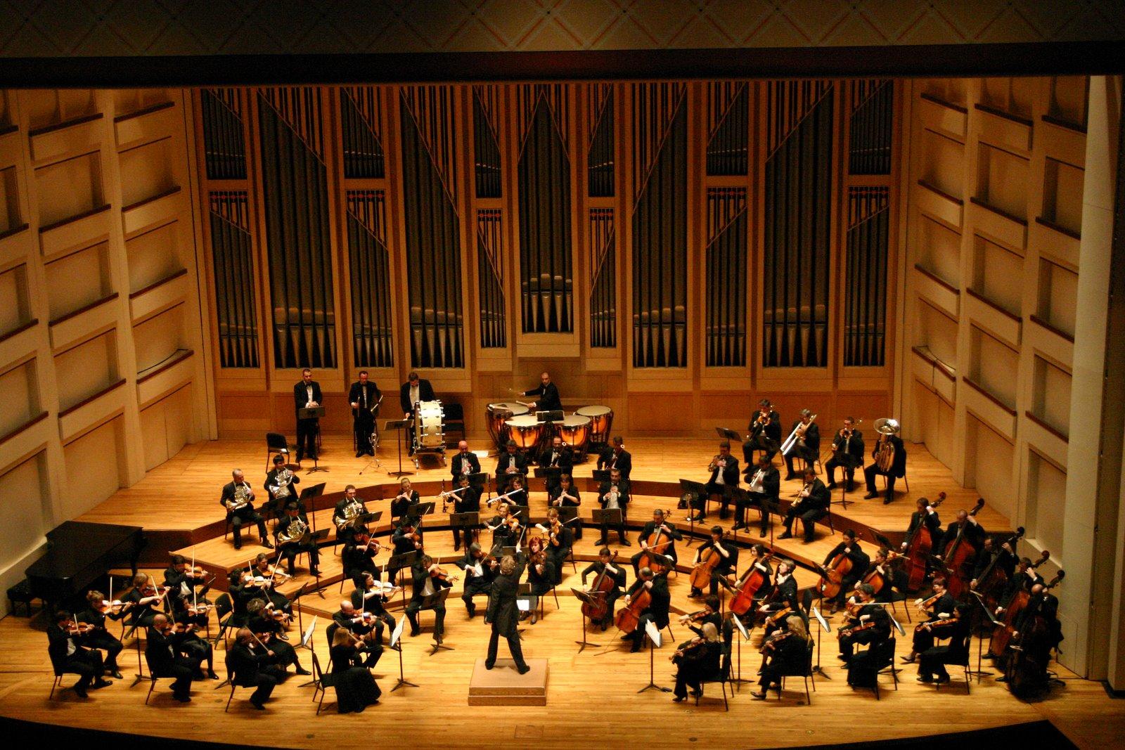 اجرای موسیقی کلاسیک «مارش خاکسپاری» از آهنگساز افسانه ای، فردریک شوپن