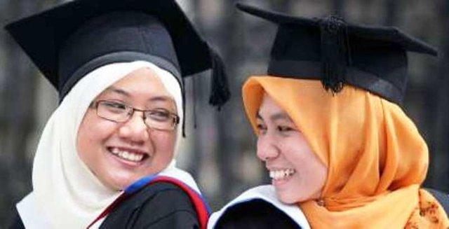 سیاق بینالمللی دانشگاه ما لنگ است