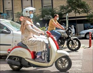 شرط صدور گواهینامه موتورسیکلت برای بانوان