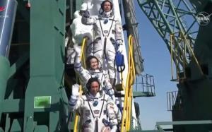اولین گروه فیلمبرداری در فضا به زمین بازگشتند!