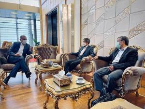 چه کسی هزینه سفر احمدی نژاد به امارات را پرداخت کرد؟