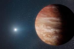 سیارهای که از مرگ ستاره خود جان سالم به در برد