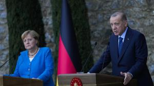 اردوغان و مرکل به اختلاف خوردند