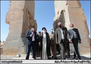 نماینده شیراز: سفرهای رئیسجمهور میتواند خنثی کننده بسیاری از توطئههای دشمنان باشد