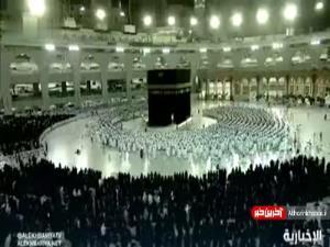 اقامه نماز در مکه بدون فاصله اجتماعی