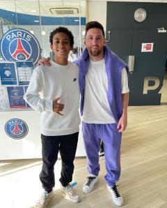 تیپ جالب لیونل مسی در دیدار با پسر بازیکن سابق برزیل