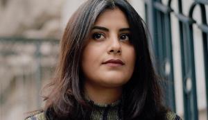 فعال زن سعودی: حرفهای زیادی دارم اما فعلا سکوت میکنم