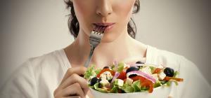 غذاهایی که پوستت رو شاداب میکنه
