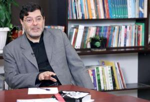 مرندی: غربیها دیگر بیش از این نمیتوانند نفت ایران را تحریم کنند