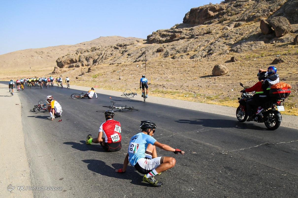زمین خوردن راکبان در تور دوچرخه سواری مرند
