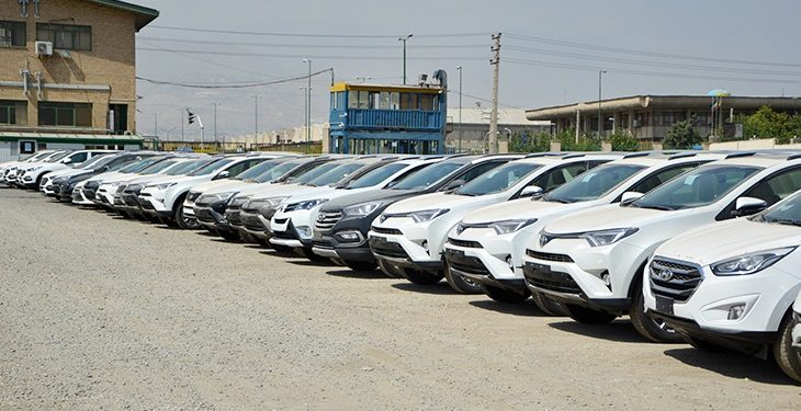 موافقت وزیر صمت با واردات خودرو از سال آینده برای تنظیم بازار