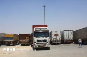 ورود ۱۶۶۰ دستگاه کامیون ترانزیتی به مرز مهران طی سال جاری