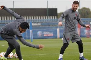 تمرین مسی در کنار امباپه و نیمار
