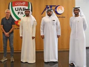 اخراج سرمربی امارات منتفی شد