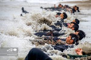 عکس/ دوره ویژه بقاء زندگی در شرایط سخت گروه پسران نینجا