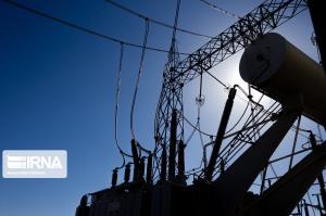 خطوط شبکه برق سراسری در اصفهان با خطر فرونشست زمین روبهروست