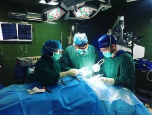 نادرترین جراحی مغز بر روی کودک ۸ ساله در شیراز انجام شد