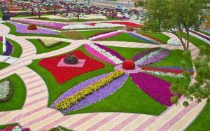 اعلام ساعت بازدید از باغ گلها در کرمانشاه