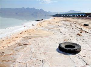 کاهش وسعت دریاچه ارومیه