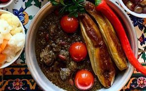 طبخ «قورمه سبزی گیلانی» با فوت کوزه گری مامان بزرگ ها
