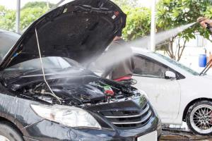 موتورشویی و تمیز نگه داشتن اجزای زیر کاپوت خوب است یا بد؟