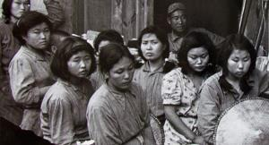 زن غربی، اغواگر و زن شرقی، کارگر و ثروتساز است