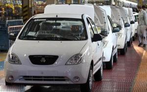 خودروهای کف پارکینگ خودروسازان، منتظر یک قطعه خاص!
