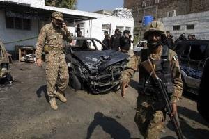 انفجار در پاکستان؛ یک پلیس کشته و ۱۷ تَن زخمی شدند