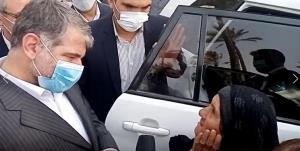 تراکتوری که وزیر جهاد به بانوی بوشهری هدیه کرد