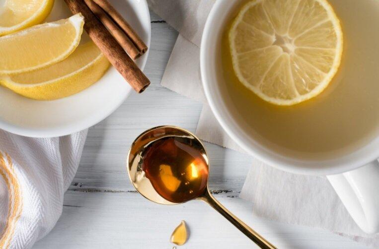 معجزه آب گرم و عسل برای زیبایی پوست